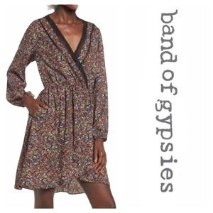 Band of Gypsies V-Neck Long Sleeve Floral Dress